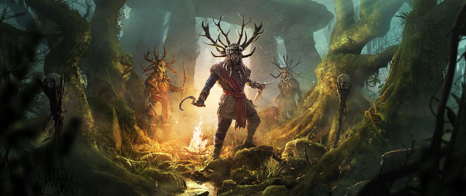 Três personagens usam chifres e capacetes feitos de caveiras perto de uma fogueira numa floresta