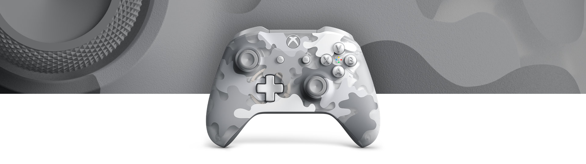 Front view of Xbox Wireless Controller - Arctic Camo Special Edition with a closeup of a translucent camouflage pattern.