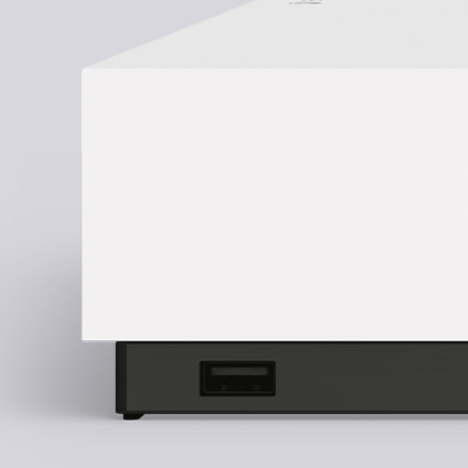 Xbox One S right corner and USB jack detail