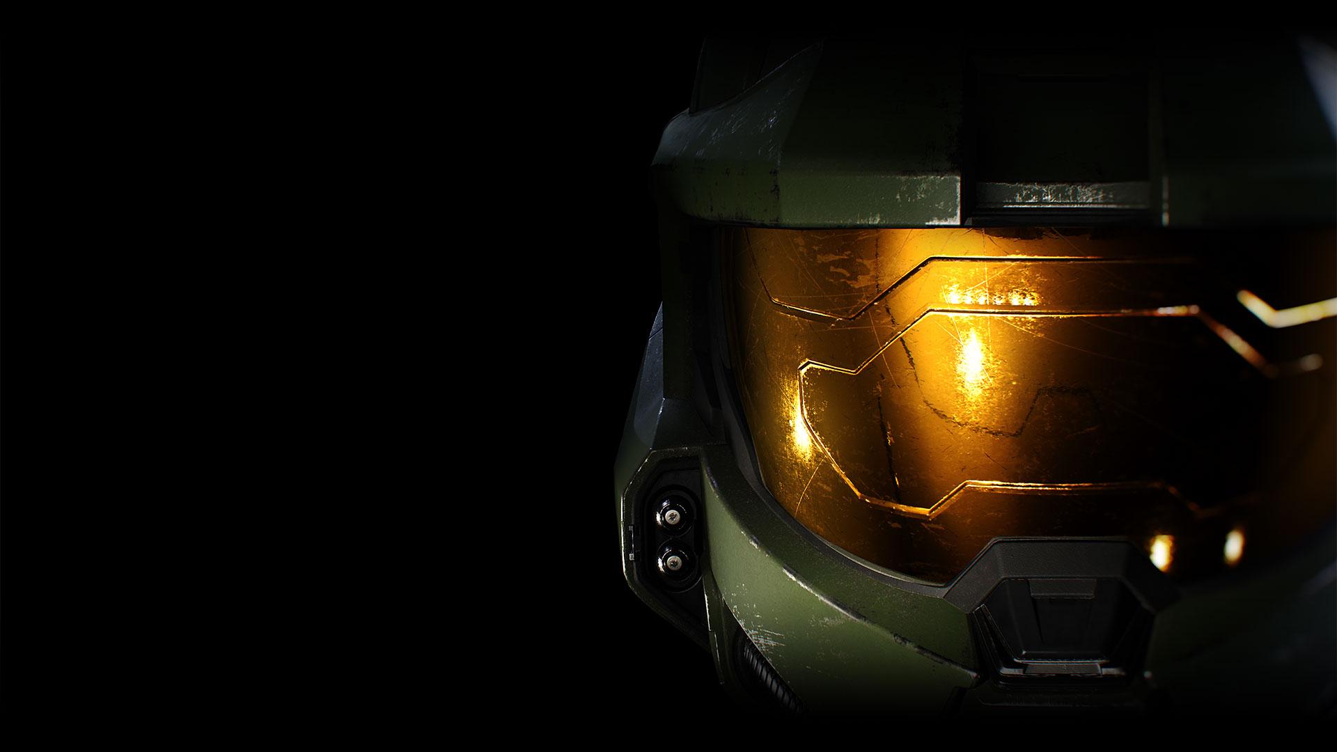 Gros plan sur le casque du personnage de Halo