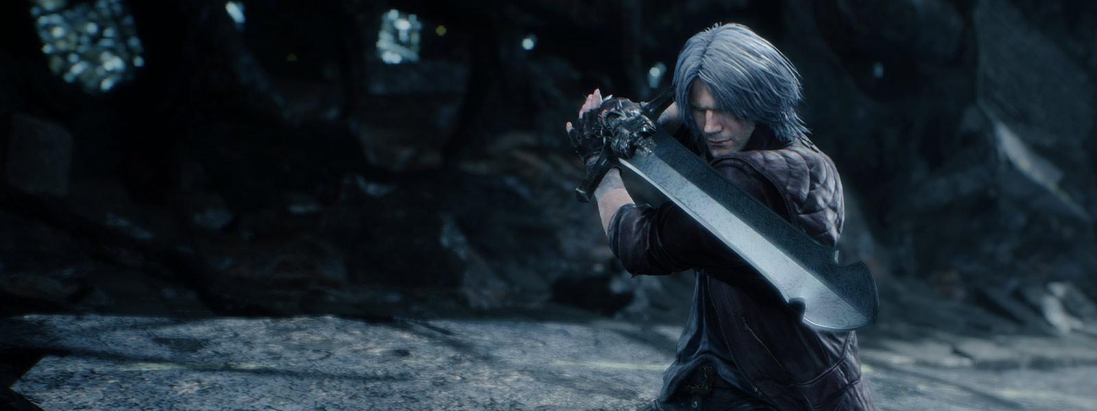 Nero står klar med sværd trukket
