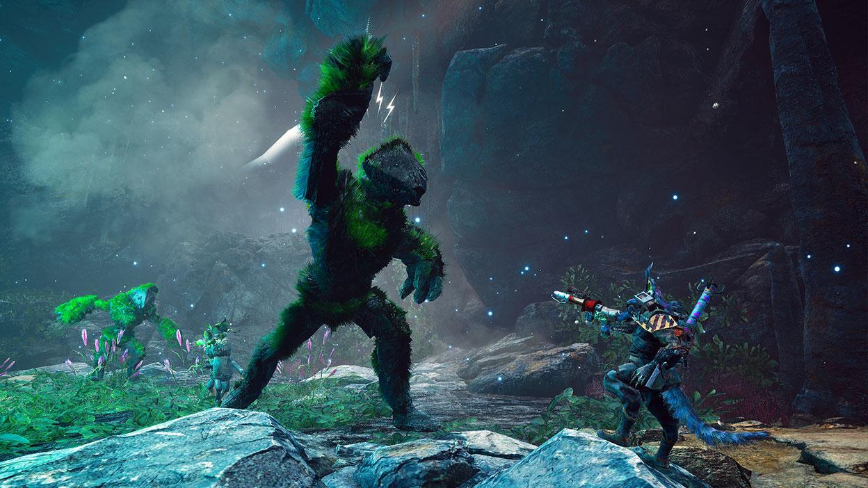 Un personaje mutante lucha contra un monstruo rocoso cubierto de musgo.