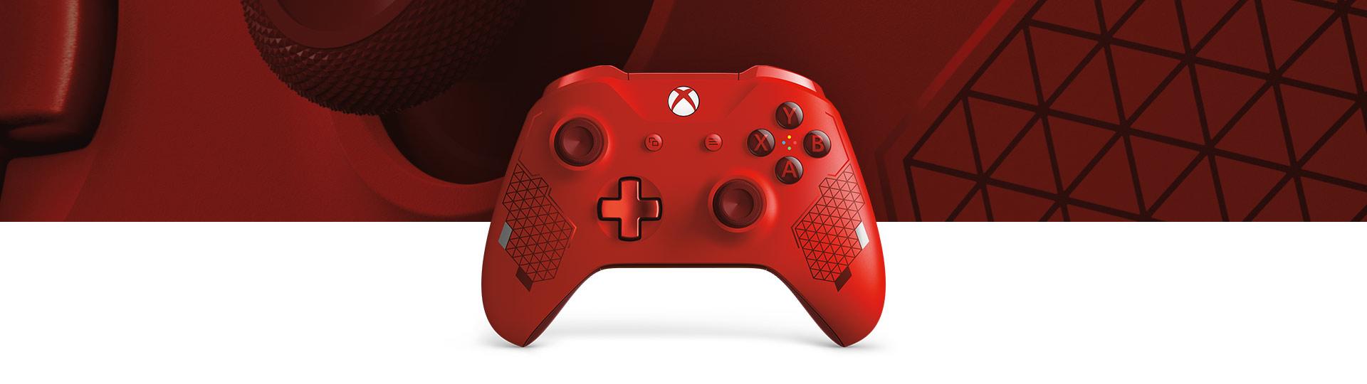 Xbox 无线控制器 (大镖客),以及运动红色控制器表面纹理的近景