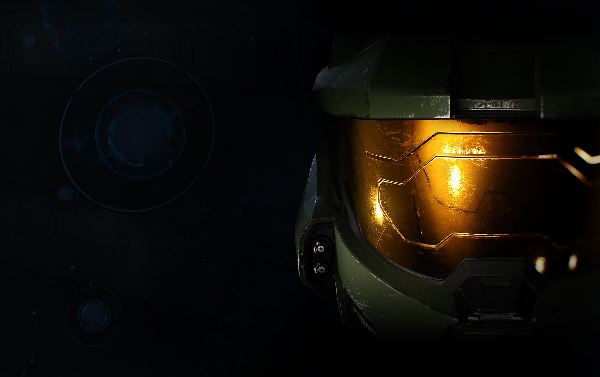 Primo piano del casco di un personaggio di Halo