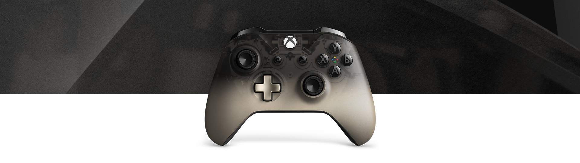 Vista frontal do Controle Sem Fio Xbox – Phantom Black Special Edition