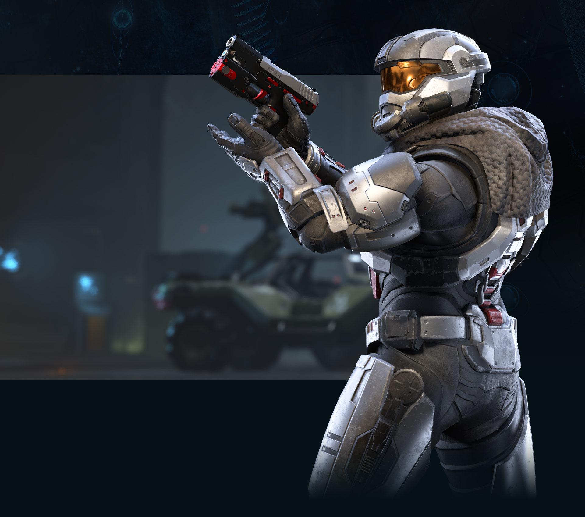 Uno Spartan in posa con una pistola appena ricaricata