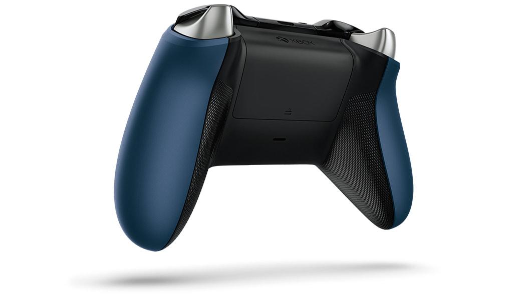Vue de dos de la manette Xbox One Forza6