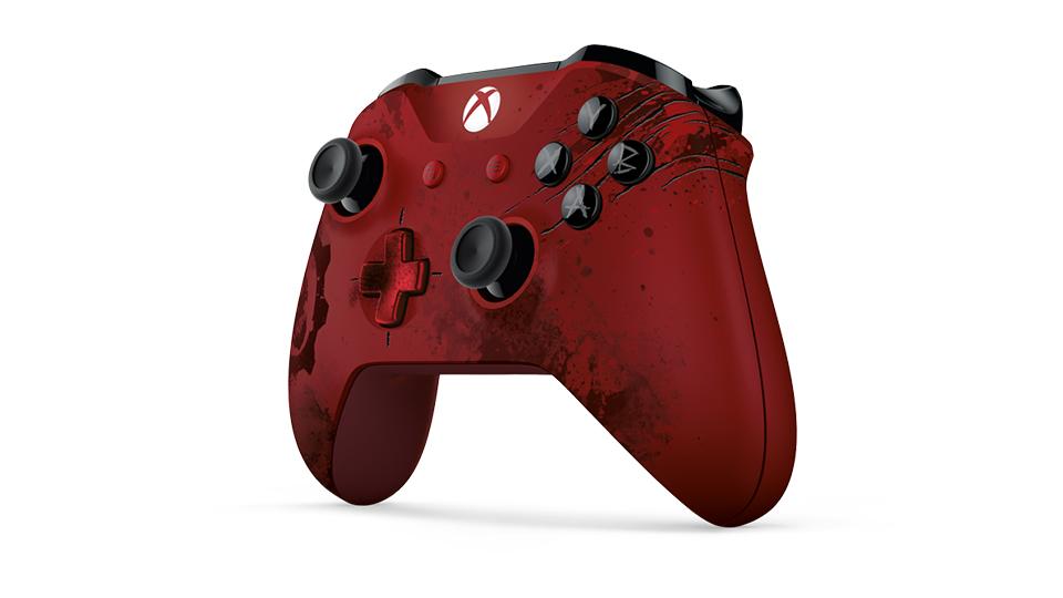 Crimson Omen 控制器的斜视图