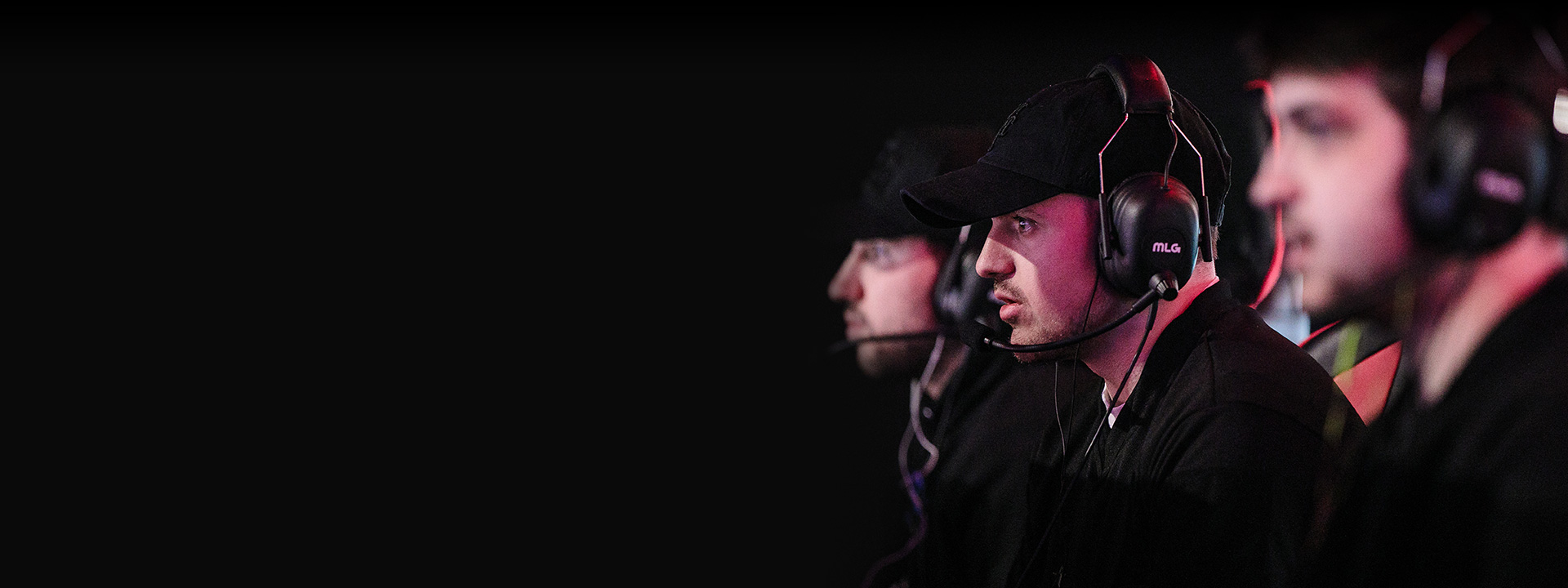 Side view of competitors wearing hats and headsets at the HCS FINALS 2018