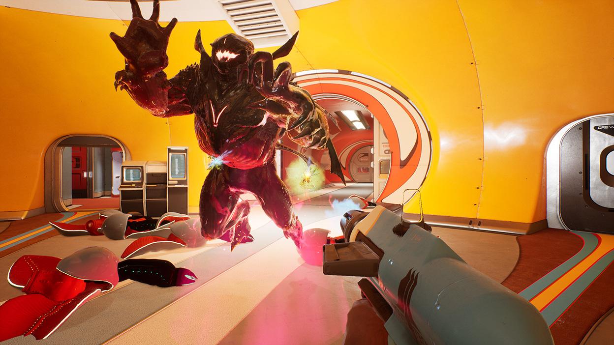 Ein Spieler schießt mit einer Laserpistole auf ein Monster.