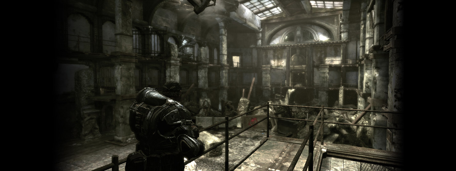 Original version scene with Marcus Fenix looking on a slab map interior scene