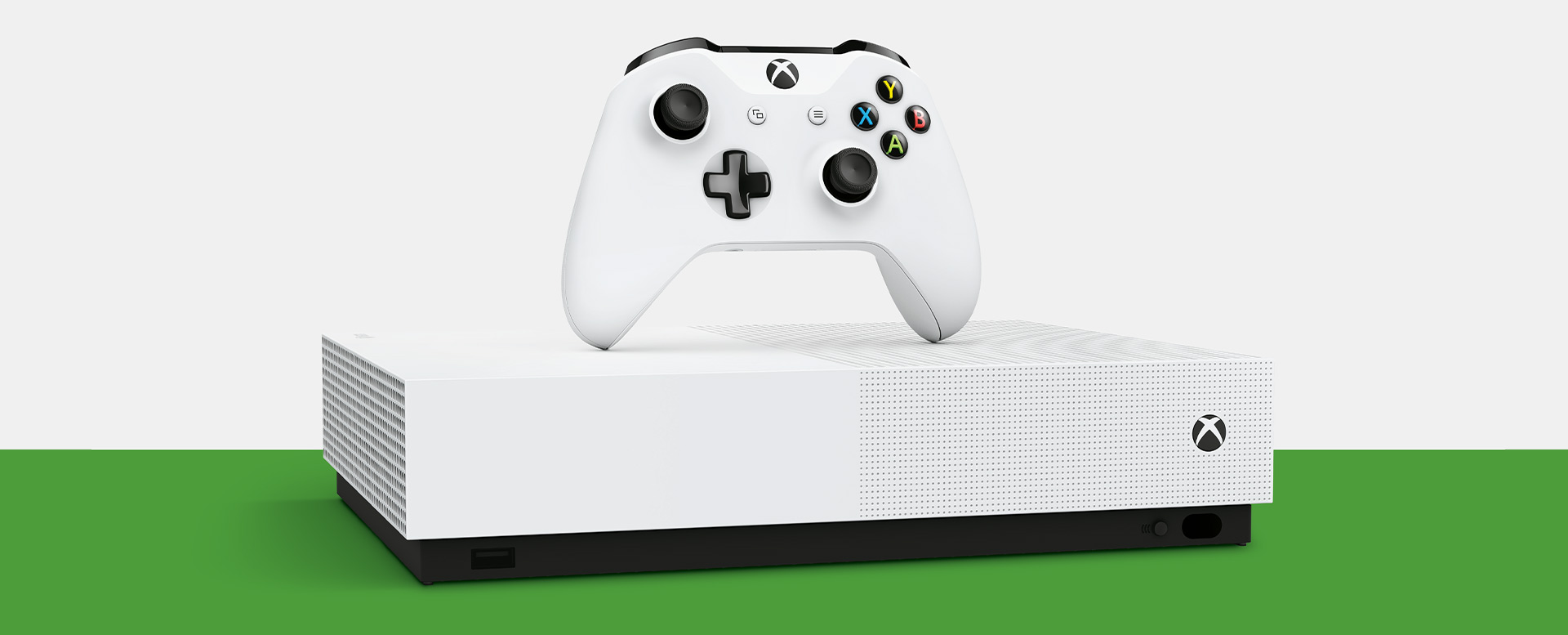 Xbox One S All-Digital Edition-konsollen foran esken til en maskinvarepakke