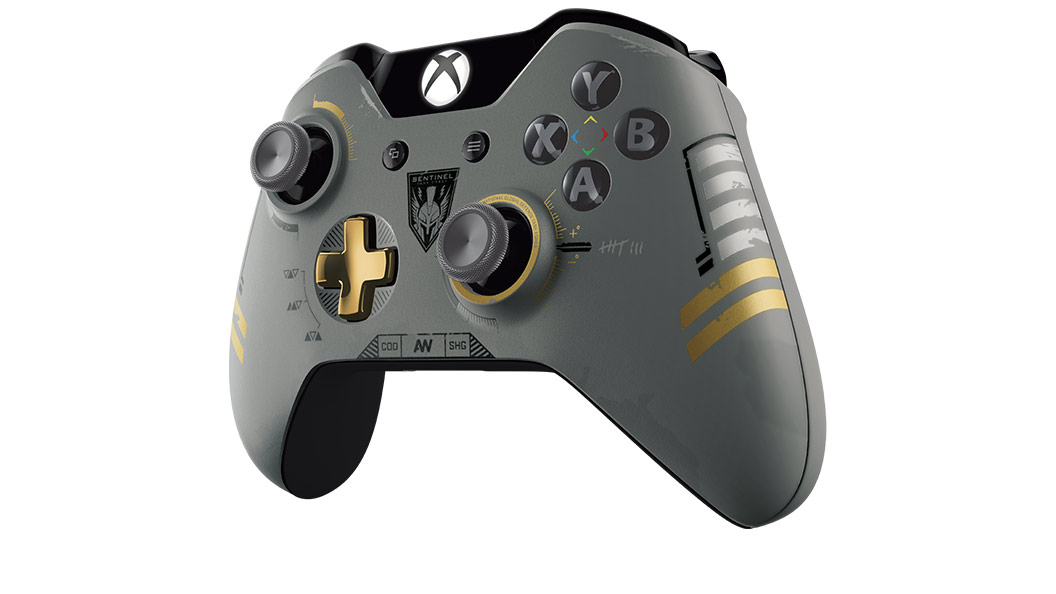 Vue inclinée droite de la manette Xbox One Call of Duty