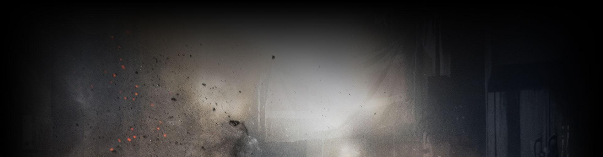 Débris d'une explosion près d'un bâtiment