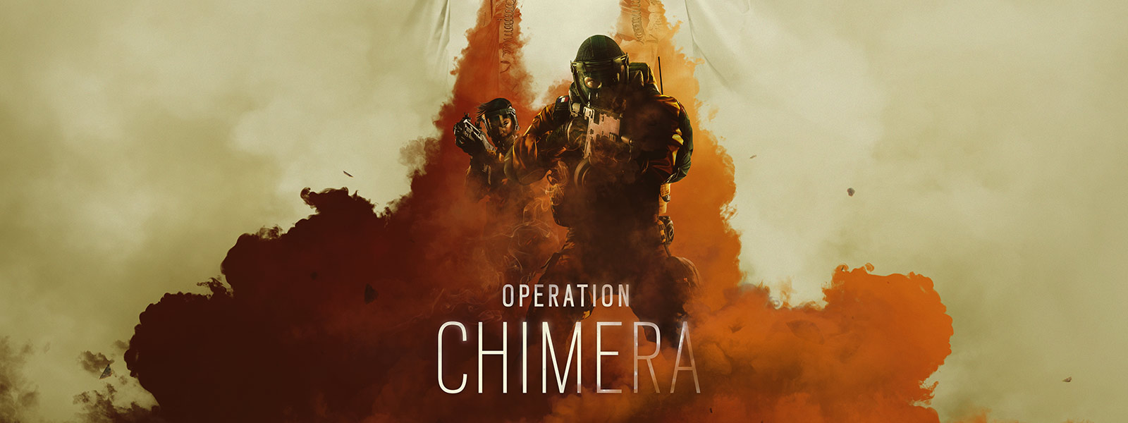Dwóch operatorów z Operacji Chimera w maskach przeciwgazowych przedzierających się przez opary pomarańczowego gazu