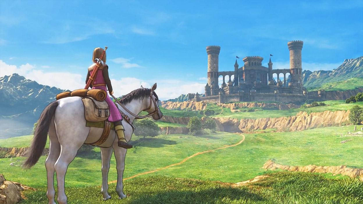 At sırtındaki Luminary uzaktaki bir kaleye bakıyor