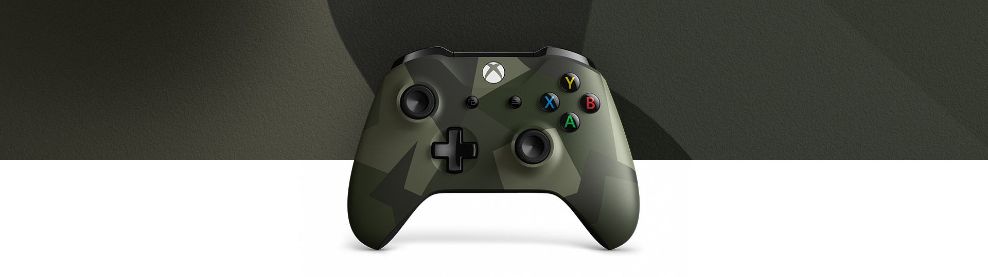 Front view of Xbox Wireless Controller – Armed Forces ll Special Edition