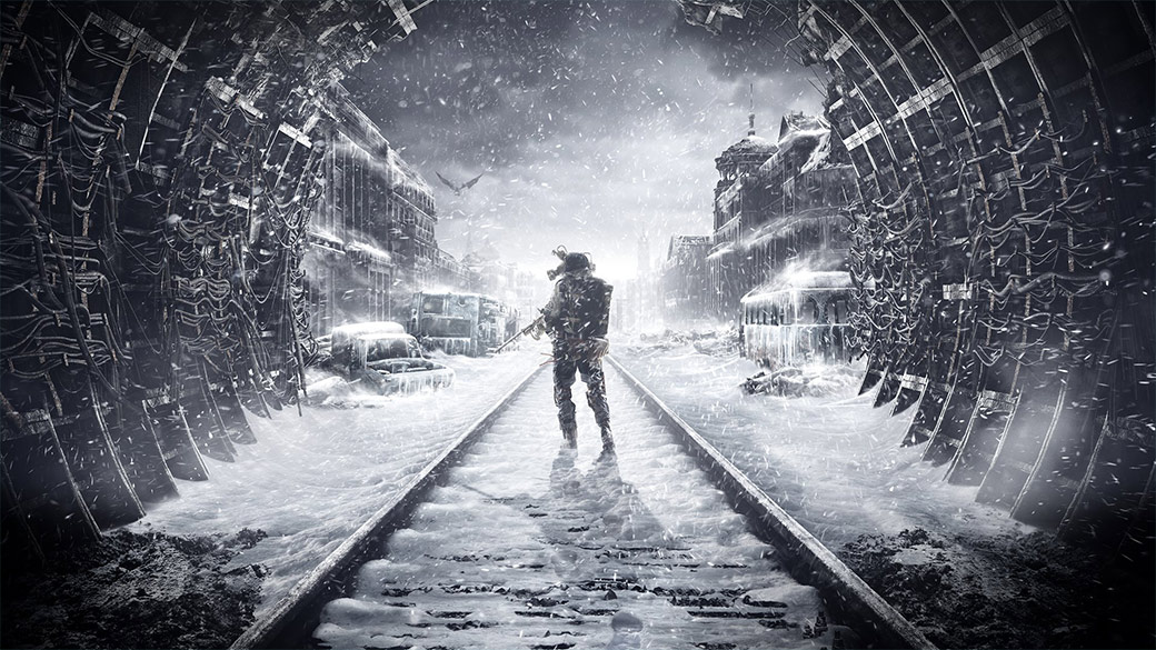 Metro Exodus,男人拿著槍,站在隧道裡覆蓋著白雪的軌道上