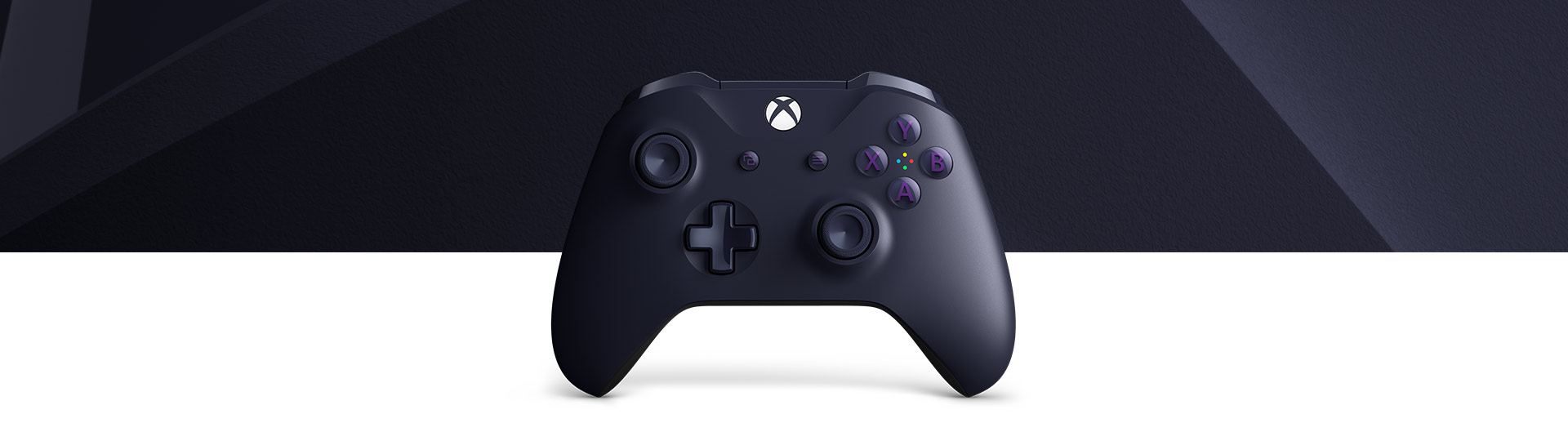 Front view of Xbox Wireless Controller – Fortnite Battle Royale Special Edition with a close-up of the purple Fortnite controller surface texture